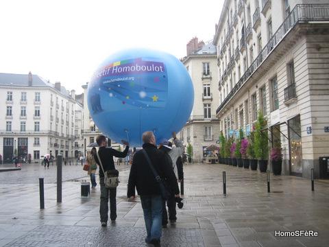 HomoSFèRe était présente à la Nantes Pride 2010 avec le Collectif Homoboulot.